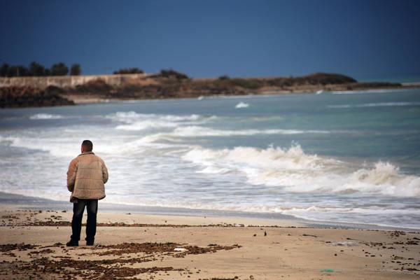 Undocumented migrants: how to break the overall solution deadlock?
